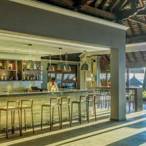 Luxury Mauritius Holiday Packages Paradis Beachcomber Golf Resort And Spa Paradis Bar
