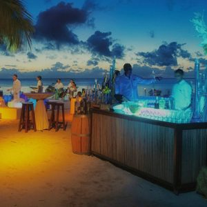 Luxury Mauritius Holiday Packages Paradis Beachcomber Golf Resort And Spabeach Party