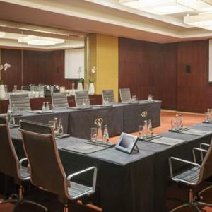 meeting room - sofitel dubai jumeirah beach - luxury dubai holidays