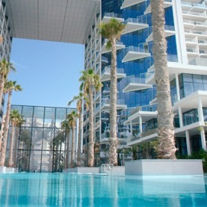 pool - Viceroy Palm jumeirah - Luxury Dubai Holiday Packages