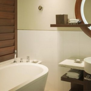 superior king room 3 - sofitel dubai jumeirah beach - luxury dubai holidays