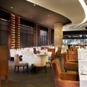 restaurants - sofitel the palm dubai - luxury dubai holiday packages