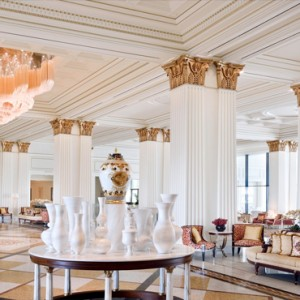 Palazzo Versace - Luxury Dubai Holiday packages - lobby lounge