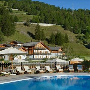 Pragelato Vialetta - Luxury Italy Holiday Packages - Pool