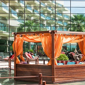 Rixos The Palm Dubai - Luxury Dubai holiday Packages - exterior seating