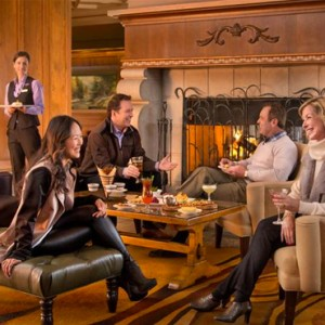 lounge - fairmont chateau whistler - luxury canada holiday packages