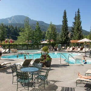 outdoor pool - fairmont chateau whistler - luxury canada holiday packages