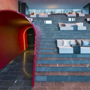 club - w verbier - luxury ski resorts