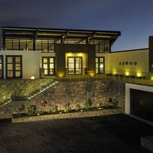 lounge - Pikaia Lodge Galapagos - Luxury Galapagos Holiday Packages