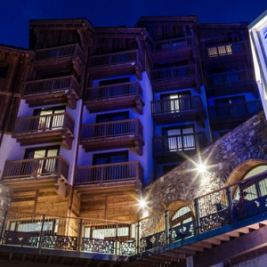 exterior 2 - Koh i Nor Hotel - luxury canada holiday packages