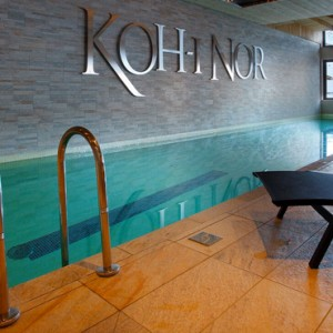 indoor pool - Koh i Nor Hotel - luxury canada holiday packages