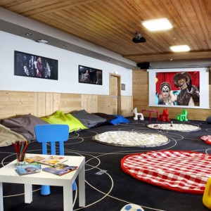 kids club - Koh i Nor Hotel - luxury canada holiday packages