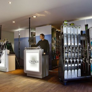 ski room 2 - Koh i Nor Hotel - luxury canada holiday packages