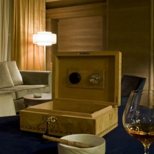Cigar Bar - grand hotel savoia - luxury italy holiday packages