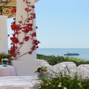 Le Sirenuse - Luxury Italy holidays Packages - Pool Restaurant bar