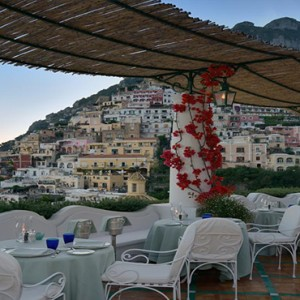 Le Sirenuse - Luxury Italy holiday Packages - restaurant with a view
