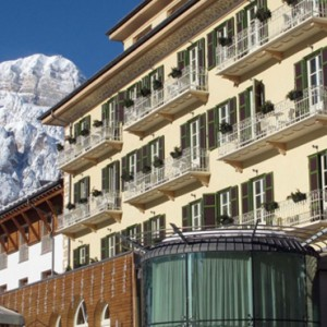 exterior 3 - grand hotel savoia - luxury italy holiday packages