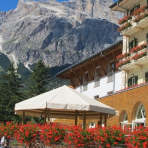 exterior 4 - grand hotel savoia - luxury italy holiday packages
