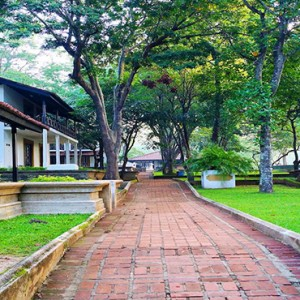 Cinnamon Lodge Habarana - Luxury Sri Lanka Holiday Package - garden area