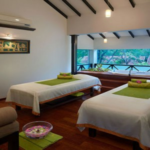 Cinnamon Lodge Habarana - Luxury Sri Lanka Holiday Package - spa treatment room