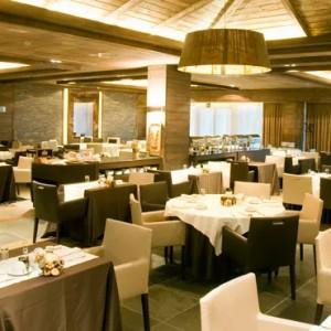 El Bosque Restaurant - Hotel Val de Neu - Luxury Ski Holiday Packages