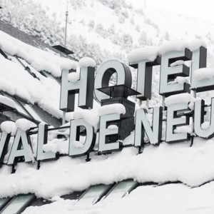 exterior 2 - Hotel Val de Neu - Luxury Ski Holiday Packages