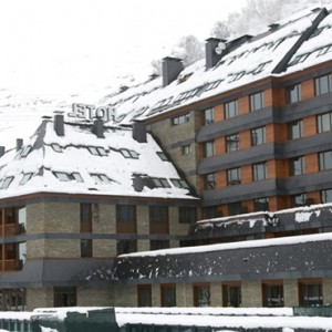 exterior 3- Hotel Val de Neu - Luxury Ski Holiday Packages