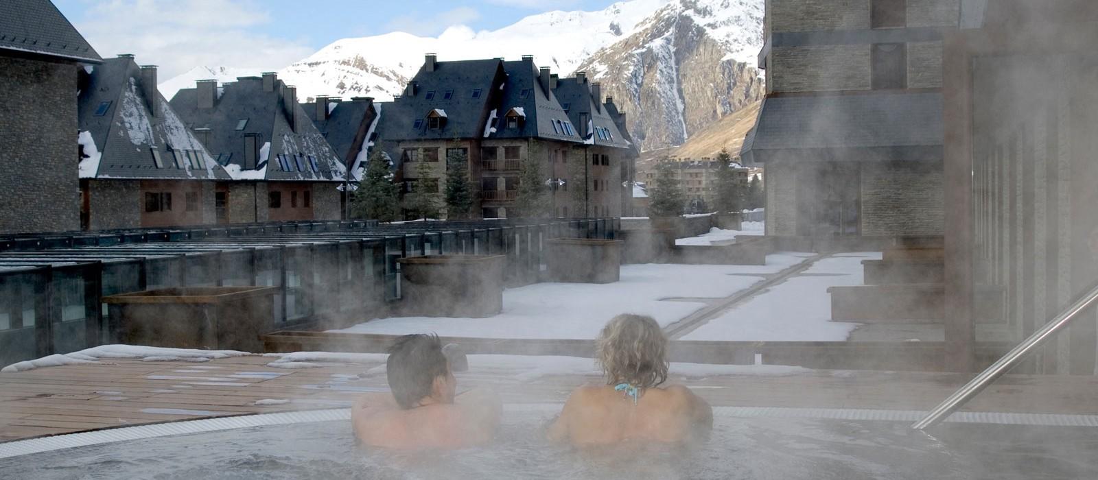 header - Hotel Val de Neu - Luxury Ski Holiday Packages