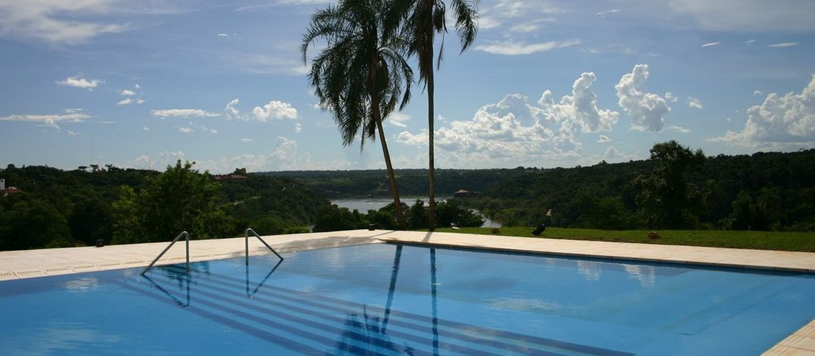 header - Panoramic Grand Hotel Iguazu - Luxury Galapagos holiday packages