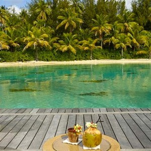luxury bora bora holiday packages - intercontinental bora bora resort and thalasso spa - dining