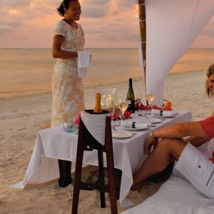 Luxury Cook Islands Holiday Packages Pacific Resort Aitutaki Dining 4