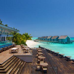 Luxury Maldives Holiday Packages Kuramathi Island Resort Maldives Laguna Bar 3