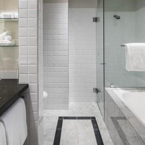 Luxury Sydney Holiday Packages Radisson Blu Plaza Hotel Sydney Bathroom