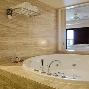 Pullman Danang Beach Resort Luxury Vietnam Honeymoon Packages The Penthouse Suite Bathroom