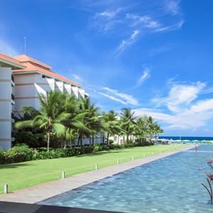 Pullman Danang Beach Resort Luxury Vietnam Honeymoon Packages Hotel Exterior And Pool