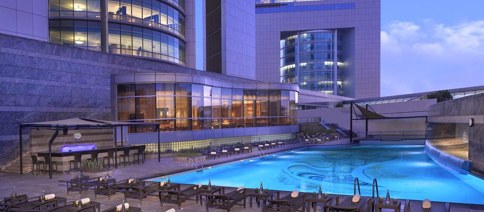 Luxury Dubai Holiday Packages Jumeirah Emirates Towers Header