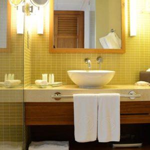Luxury Abu Dhabi Holiday Packages Yas Island Rotana Abu Dhabi Club Rotana Classic Suite 3