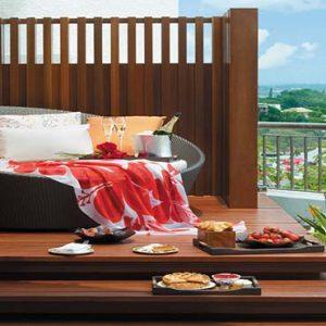 Shangri La Singapore Luxury Singapore Honeymoon Packages Honeymoon Suite Champagne Breakfast