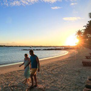 Beach Couple Mauricia Beachcomber Resort And Spa Luxury Mauritius Honeymoons