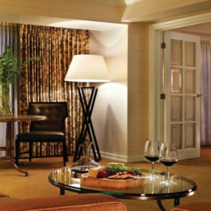 Luxury Canada Holiday Packages Four Seasons Vancouver Deluxe Executive Suite City View1