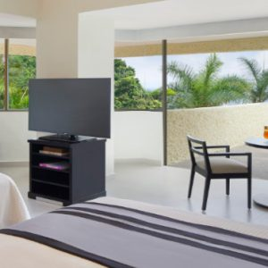 Luxury Mexico Holiday Packages Dreams Huatulco Preferred Club Junior Suite With Jacuzzi1