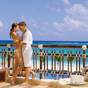 Luxury Mexico Holiday Packages Dreams Riviera Cancun Resort And Spa Mexico Preferred Club Ocean Front Honeymoon Suite 5