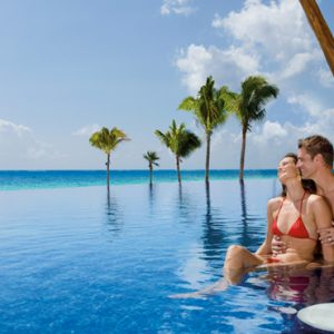 Luxury Mexico Holiday Packages Dreams Riviera Cancun Resort And Spa Mexico Pool Bar