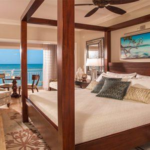 Sandra Negril Jamaica Honeymoon Paradise Honeymoon Beachfront Grande Luxe Club Level Room Bedroom