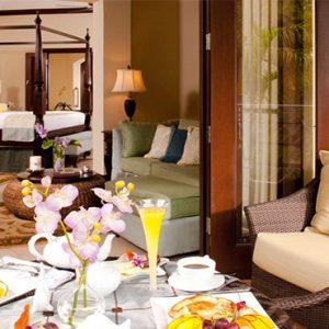 Sandra Negril Jamaica Honeymoon Millionaire Honeymoon Penthouse One Bedroom Butler Suite Lounge