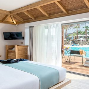 Luxury Greece Holiday Packages Stella Island Crete Over Water Bungalow4