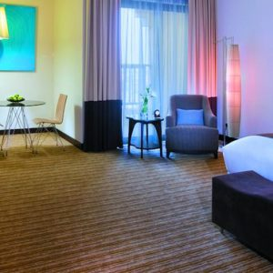 Luxury Abu Dhabi Holiday Packages Traders Hotel Qaryat Al Beri Traders Club Premier Room