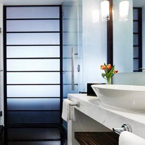 Luxury Singapore Holiday Packages PARKROYAL On Marina Bay Meritus Club Room Bathroom