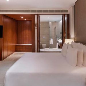 Luxury Dubai Holidays JA Lake View Hotel Bedroom