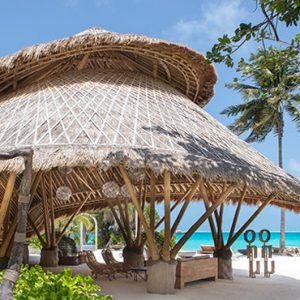 Luxury Maldives Holidays Fairmont Maldives Sirru Fen Fushi Bar